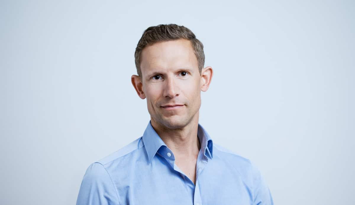Schönheitschirurg Dr. Philipp Mayr